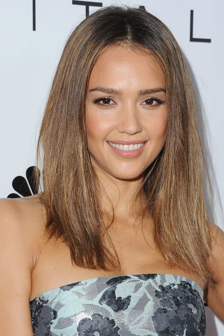 "[link url=""http://www.glamourmagazine.co.uk/celebrity/biographies/jessica-alba""]Jessica Alba[/link] added some texture into her straight locks at a luncheon in LA. She finished her look with a nude glossy lip and simple eye makeup."