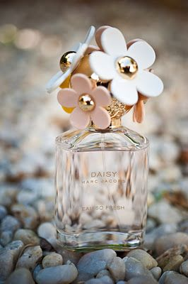 Daisy - Marc Jacobs                                                       …