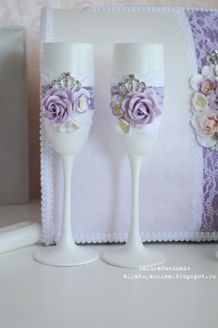 Доброе утро:) А у меня не так давно сотворился нежный свадебный комплект в светло-лавандовом цвете. Так сказать для истории покажу его...