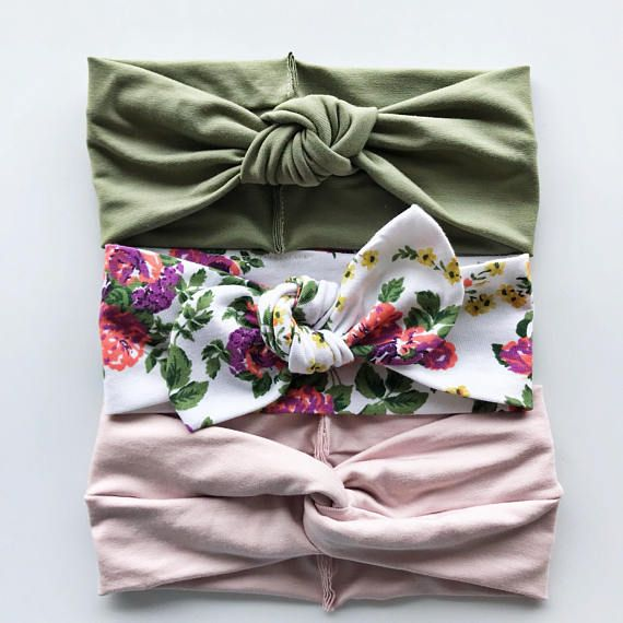 Looking for baby shower ideas for a girl? Or do you want to spruce up your family photos & want outfit ideas for- this set is perfect for that.
