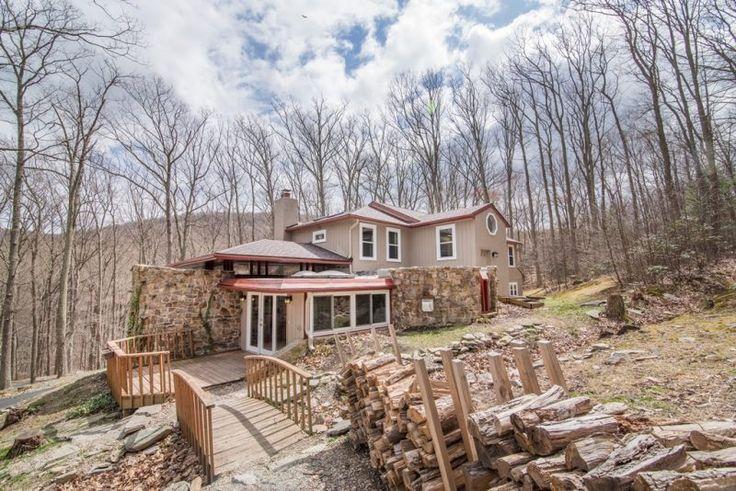 Home For Sale In Smithsburg MD, 5 Bedroom, 3.5 Baths, Smithsburg School District $490,000