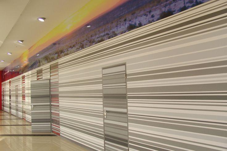 Дизайн интерьеров автосалона «Феникс Моторс». Санкт-Петербург (400 кв.м.). - Дизайн-студия ICON