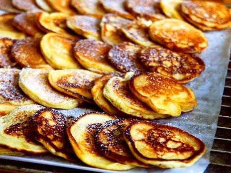 Amerikanska pannkakor med kolasås | Recept.nu