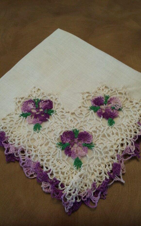 Vintage Off-White Crocheted Purple Floral Irish Linen Ladies Handkerchief♔PM