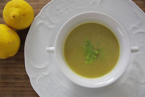 İdil Tatari'den hem pratik hem de sıra dışı bir tarif: Kuşkonmaz çorbası