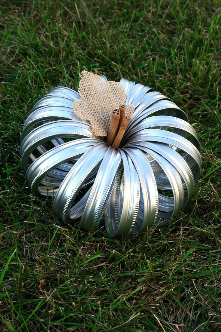 mason jar lid pumpkin. easy fall decor
