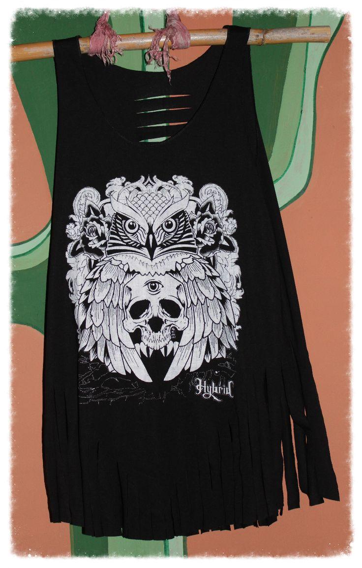 Camiseta de tirantes estampada con flecos color negro Talla única. Medidas  de la camiseta (