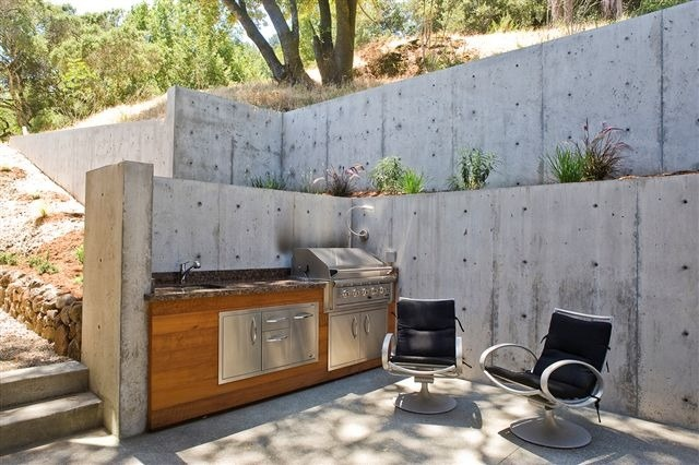 Outdoor Kitchen Stacking The Deck And Garden