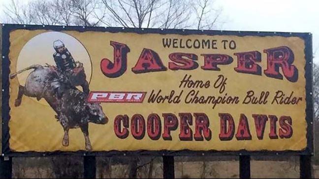 Jasper, Texas. Population: 7,656 Will Jasper, TX have another world champ tonight? @CooperToddDavis hopes so. >>…