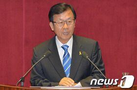 [단독] '긴급조치 위반' 원혜영 의원, '유신 집시법' 위헌제청 신청
