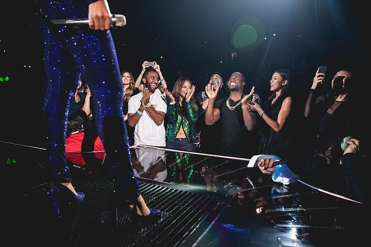Kevin Hart had a full-blown freak-out in the front row of Beyoncé's LA concert.
