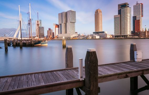 Kop van zuid Rotterdam van Ilya Korzelius