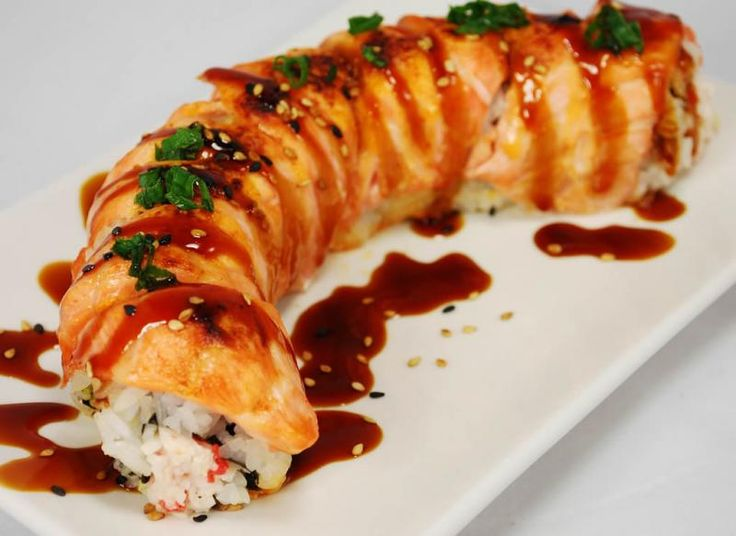 how to cut salmon fillet for sushi roll