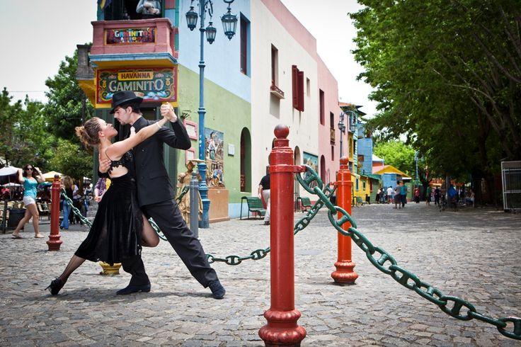 El Tango surgió a fines del siglo XIX de la fusión de diversos ritmos que se bailaban al calor de los ambientes de arrabal. La tradición argentina y uruguaya del tango, hoy conocida en el mundo entero, nació en la cuenca del Río de la Plata, entre las clases populares de las ciudades de Buenos Aires y Montevideo.  #Argentina | #ArgentinaEsTuMundo | #Tango | #BuenosAires | #Patrimonio | #PatrimonioMundial | #PatrimonioCultural | #Cultura