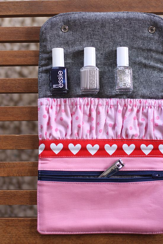 noodlehead: snappy manicure wallet - free pattern and tutorial / Freebook, Anleitung und Schnittmuster für ein Maniküre-Täschen / Kosmetiktasche, Aufbewahrung für Nagellack