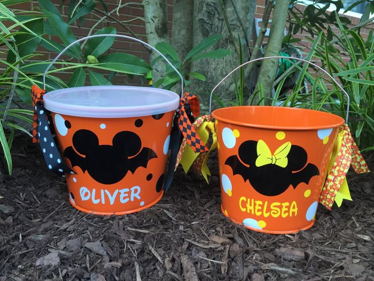 Halloween bucket, candy bowl, trick or treat bag, Mickey/Minnie Mouse  Disney inspired halloween bucket by PrettynPreppyDesigns on Etsy