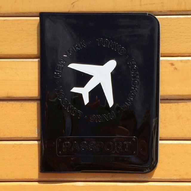 Happy #travel #pasaport #kılıfı su geçirmez ince esnek pvc yapısı ve capcanlı renkleri ile çok #popüler bir #seyahat cüzdanıdır. Daha fazla bilgi için >> solaress.net