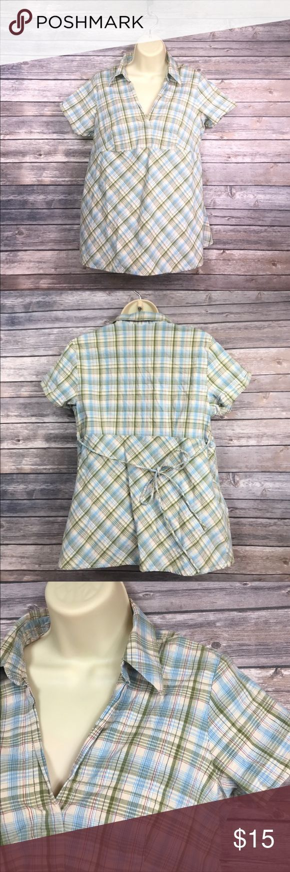 💝Motherhood Maternity short sleeve top Cute pattern for spring/summer!  Has tie back and shirt sleeves.  Size Large. Motherhood Maternity Tops