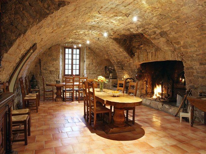achat vente château médiéval a vendre vente chateau de prestige a vendre en France vente immobilier prestige achat vente chateau aveyron a vendre