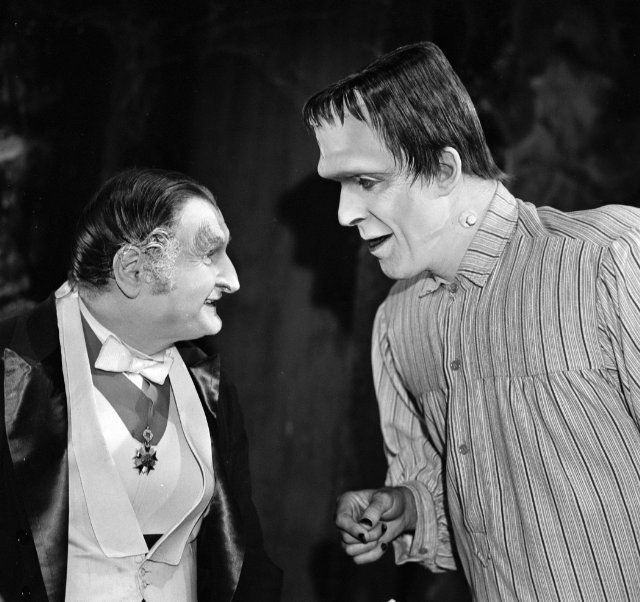 still of fred gwynne and al lewis in the munsters 1964 - Munsters Halloween Episode