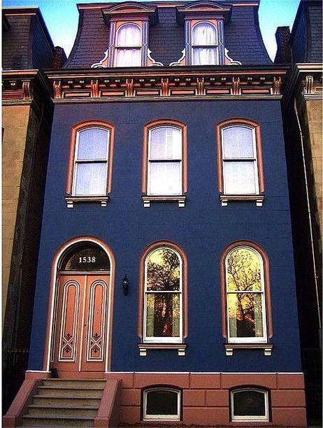 fachadas de casas coloridas