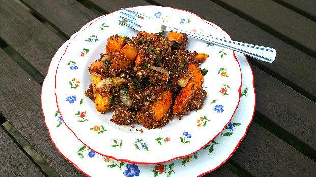 quinoa - Dokonalé vegetariánské jídlo, které je skvělé horké i zastudena. Pečená zelenina získá...