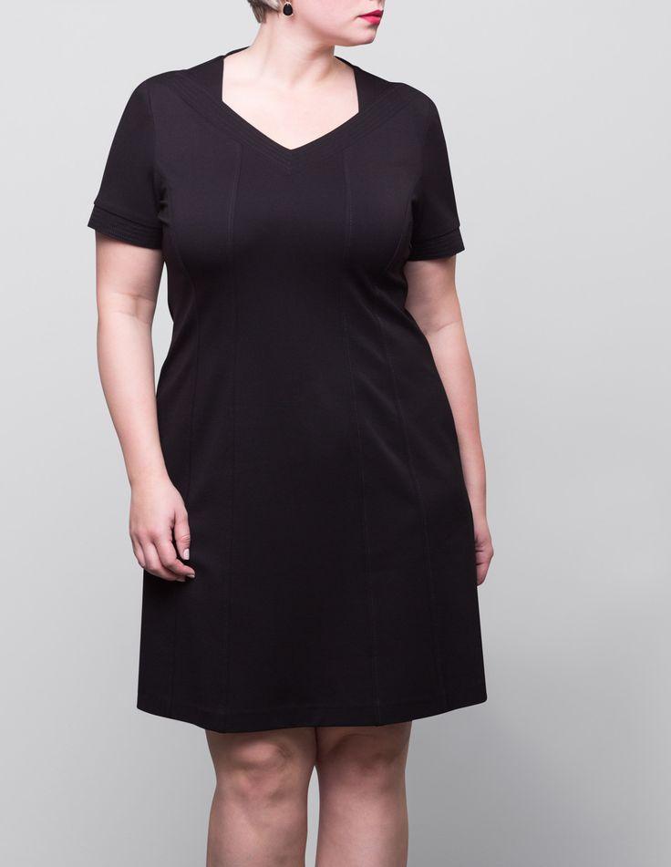 Wundercurves möchte Dir Kleider aller Art und in allen Konfektionsgrößen bieten. Wir möchten, dass auch molligen Frauen eine große Auswahl an Kleidern offen steht. Ob Du ein Kleid in 44, 48 oder 58 suchst, bei uns wirst Du schöne Curvy Fashion finden.