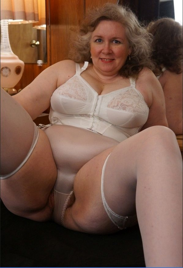 Mature Women In Pantie Girdles