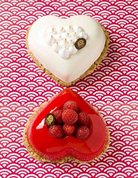 Pour faire grimper la température, le soir de la Saint-Valentin, les pâtissiers redoublent de créativité et d'imagination. Sélection craquante à partager à deux. http://www.elle.fr/Elle-a-Table/Les-dossiers-de-la-redaction/Dossier-de-la-redac/Saint-Valentin-2015-nos-cadeaux-gourmands