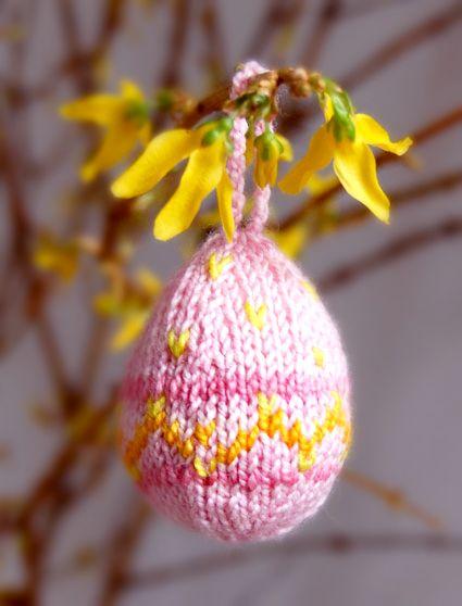 Knit eggs tutorial  purlbee.com
