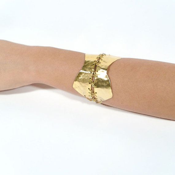 Corset cuff bracelet 18kt gold plated brass sheet by AlgoElegante #hammered #gold_plated #jewelry #fashion #women #chain #handmade #corset #bracelet #forged #metal