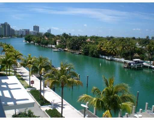 Townhouse for sale in Miami Beach 4 beds 3,810.00 sqft AQUA AT ALLISON