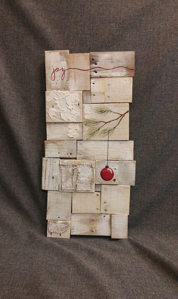 Rustikale Weihnachts-Dekor, Palette Kunst, weiß gewaschen, Kiefer Zweig rote Birne, Freude, Reclaimed Holz, Weihnachten handgemalt, Shabbt chic, Distressed   Dies ist das Original, ein Unikat Acrylbild auf neu gewonnenem Palette Boards. Dieses einzigartige Stück ist 27 x 14  Diese abstrakte Kunstwerk Weihnachten ist auf einem weißen Hintergrund mit dem Wort Freude am oberen Rand in rot lackiert. Es eignet sich für einen personalisierten rustikalen Touch zu Ihrer Weihnachts-Dekoration.  Dies…