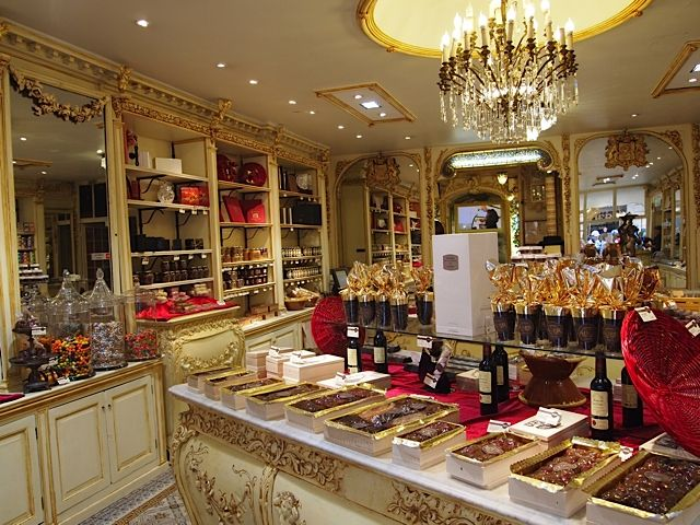 27 best images about chocolate shop decor on pinterest for Dicor maison france