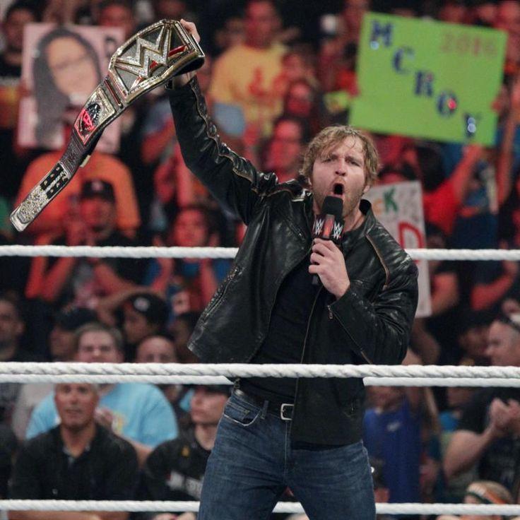 Dean Ambrose celebra haber ganado el Campeonato Mundial de Peso Completo WWE: fotos