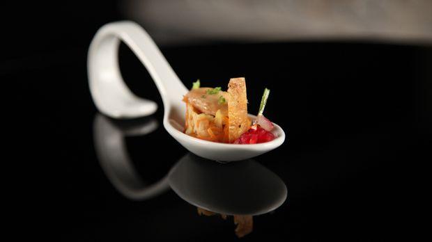 Gezupfter Salat von der Stubenküken-Keule - The Taste - Sat.1