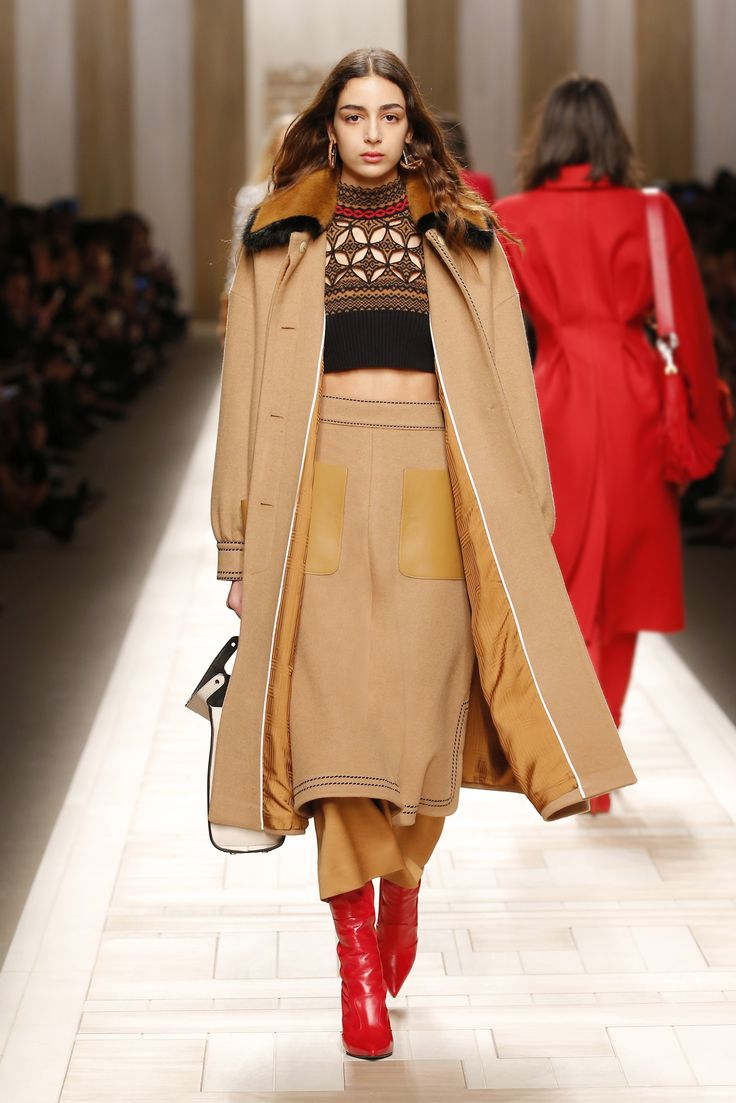 Olivia Palermo attended Fendi's fall 2017 show at Milan Fashion Week wearing a cool trend you might not have thought of before.