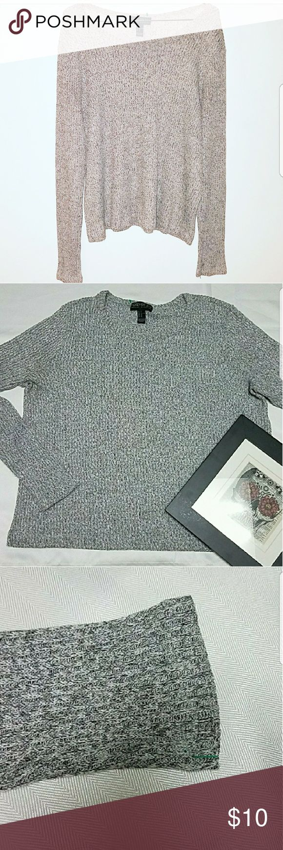 Forever 21 Plus Lightweight Sweater Forever 21 Plus Lightweight Long Sleeve Grey Sweater.   Unnoticeable pull as pictured.    23 inches flat across chest 23 inches long Forever 21 Sweaters Crew & Scoop Necks