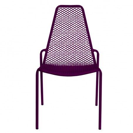 RADA. Robustezza e praticità caratterizzano questa sedia in stile vintage. Rada ha uno scheletro in acciaio tubolare completato da una seduta in rete stirata, un richiamo allo stile industriale anni 80.