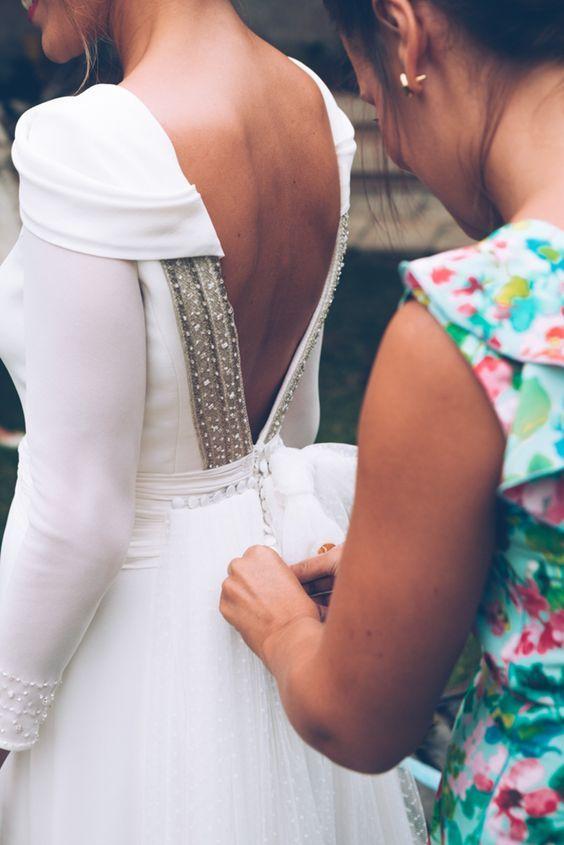 Z kim na przymiarki sukni ślubnej? A z kim na pewno nie!?