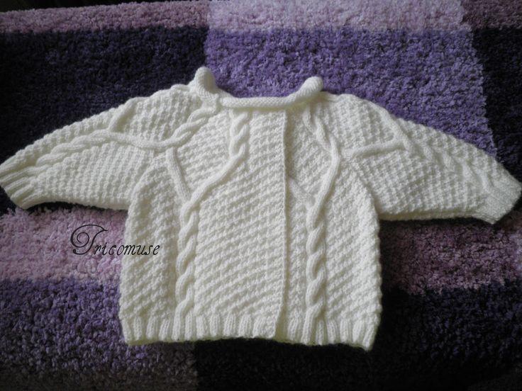 Tricot et compagnie: Brassière bébé irlandaise, le bonnet et les chaussons | Modele tricot ...