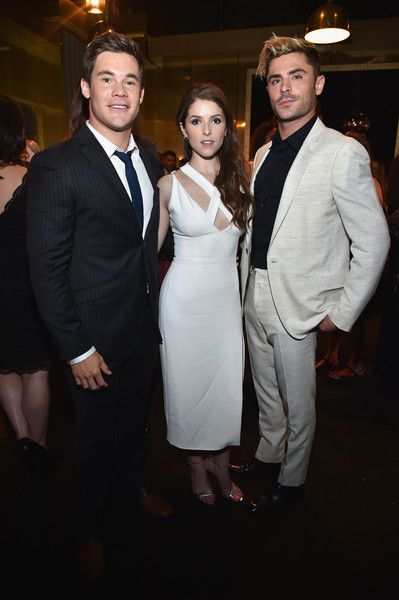 """Zac Efron Photos Photos - (L-R) Actors Adam DeVine, Anna Kendrick and Zac Efron attend Spike TV's """"Guys Choice 2016"""" at Sony Pictures Studios on June 4, 2016 in Culver City, California. - Spike TV's 'Guys Choice 2016' - Backstage And Audience"""