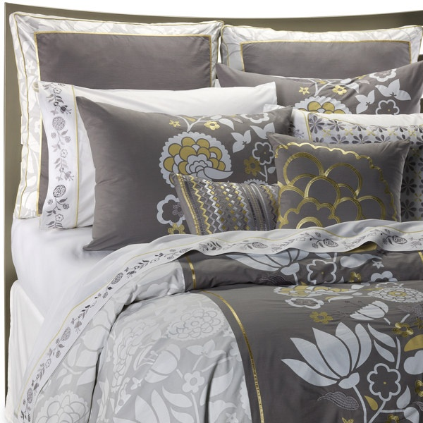 85 best gray and gold decor images on pinterest drawing room interior interior decorating and. Black Bedroom Furniture Sets. Home Design Ideas