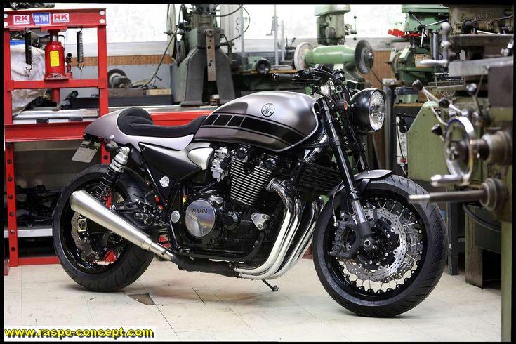 http://www.raspo-concept.com/realisations/raspo-custom-garage/xjr-1300-le-cafe-racer-de-fabien/