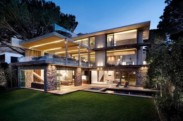 Modern luxury without  overstatement - Glen 2961 House, Higgovale, Cape Town