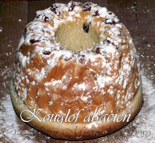 Une légende prétend que cette spécialité fut confectionnée pour la première fois par les Rois Mages pour remercier un pâtissier local du nom de Kugel de son hospitalité, et que la forme est celle de leurs turbans. Dans la recette originale , Christophe...