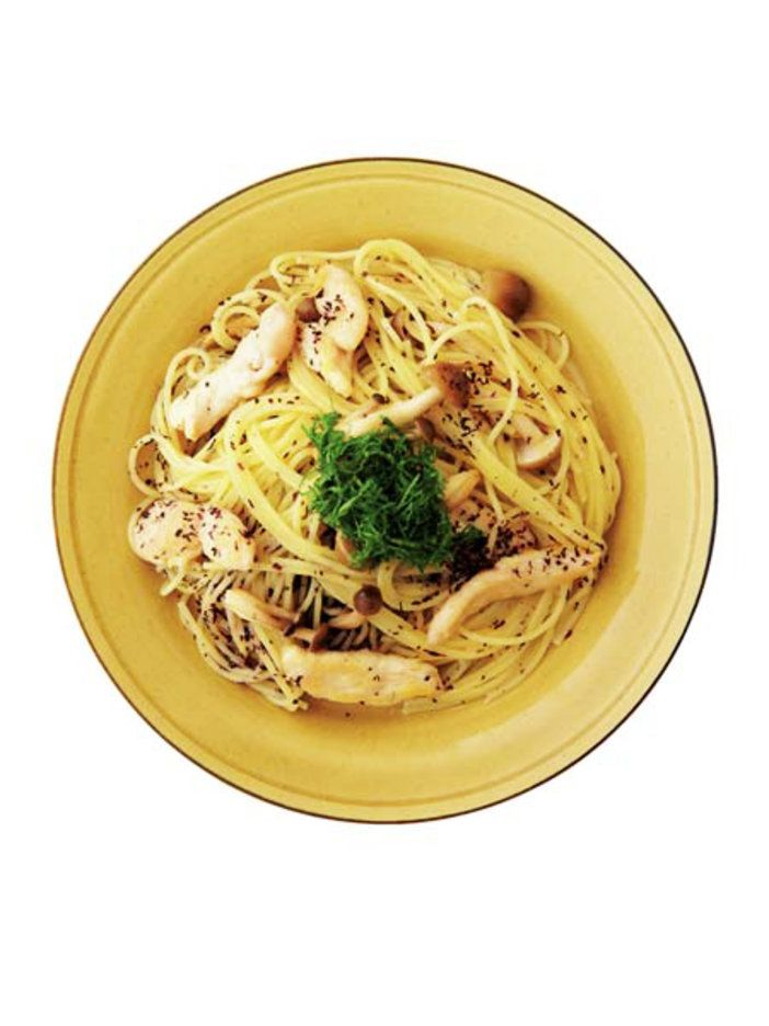 しその風味が爽やか。アイデア和風パスタ。|『ELLE a table』はおしゃれで簡単なレシピが満載!