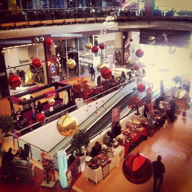 Avenue Mall Photo credits: @georgepapageo
