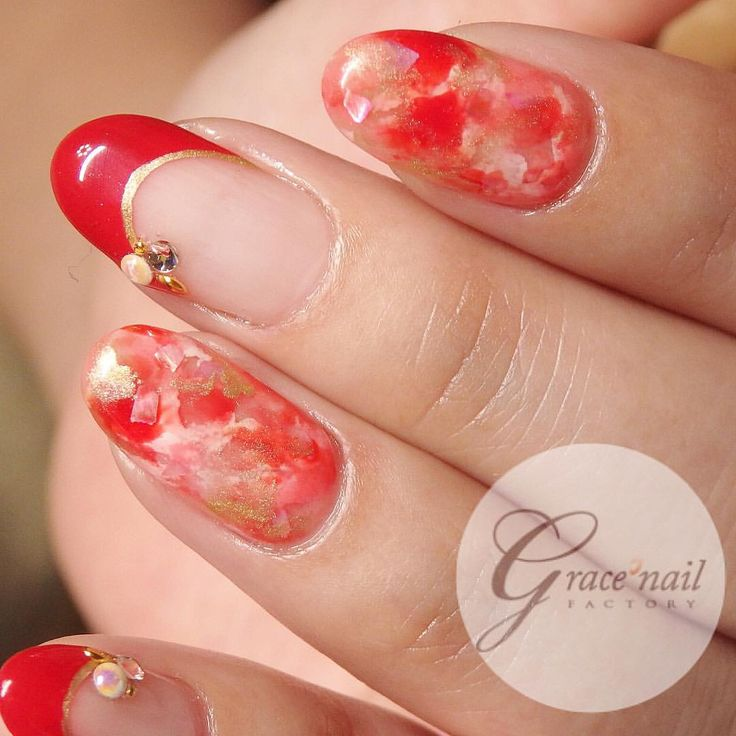 Gorgeous red marble nail art by Japanese artist. Good for Chinese New Year