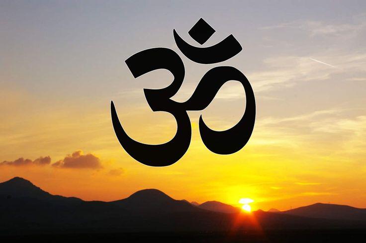 In diesem Beitrag lernst du die wahre Bedeutung des OM Symbols kennen und erfährst, wie du den Laut für deine spirituelle Entwicklung nutzen kannst.